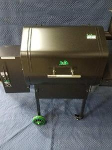 Green Mountain Daniel Boone Pellet Grill, Pellets and Thermal Blanket